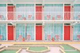 Фотографии реальных мест, которые выглядят словно кадры из фильмов Уэса Андерсона