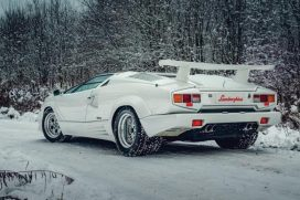 Легендарный Lamborghini Countach 25th можно купить