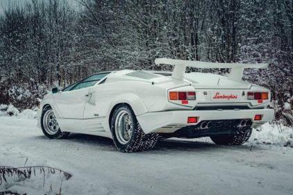 Легендарный Lamborghini Countach 25th можно купить