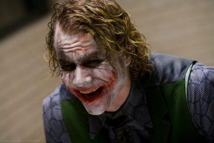 """""""Я не хочу тебя убивать"""": диалог Джокера и Бэтмена на разных языках мира"""
